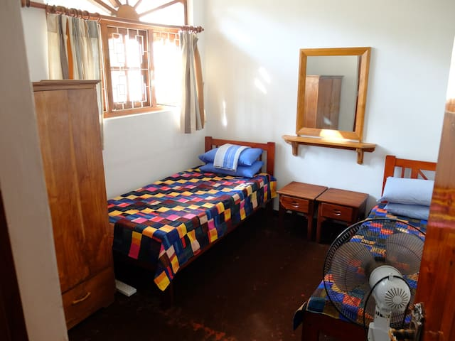 Comfortable private house in Thalwila, Marawila. - Marawila - Huis