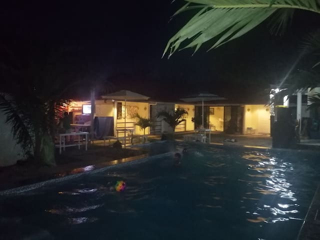 Ezkina island home resort, olango island