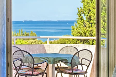 Apartment with pool and sea view - Pula