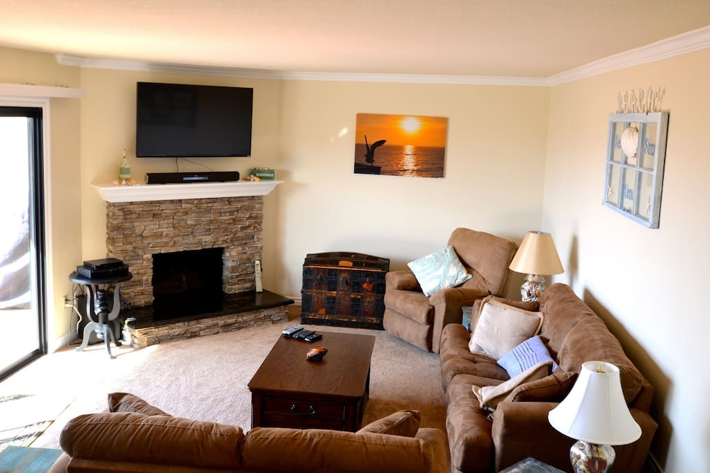 130 Pismo Shores-Living Room