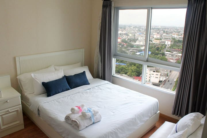 Panorama City View by the River with Pool & Gym - Bangkok - Flat