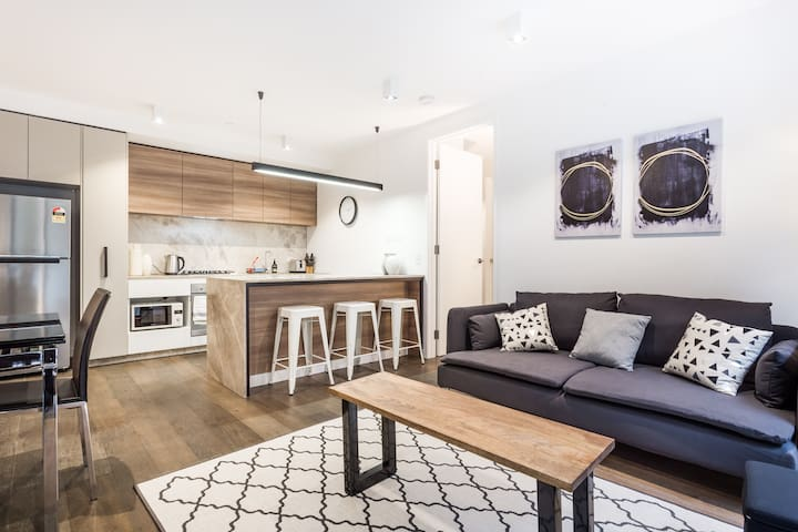 Stylish modern 2 bedroom, 2 bathroom apartment