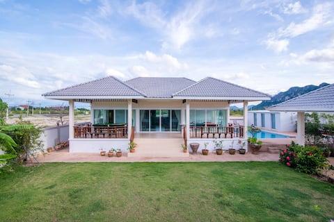 Superior private en-suite bedroom in pool villa