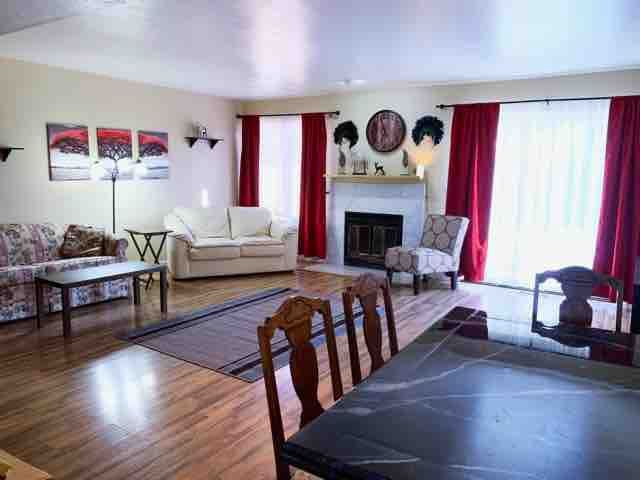 Nice Southside Townhouse, Great Location