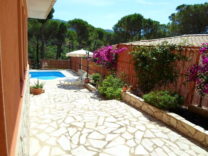 Villa with 4 bedrooms in Calonge, with wonderful mountain view, private pool, furnished terrace - 7 km from the beach
