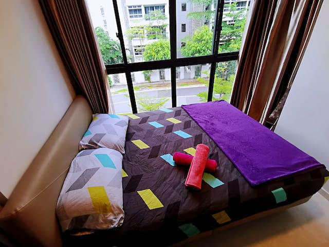 ★ Cozy Private Master Room ★ Dhoby Ghuat MRT NE6 ★