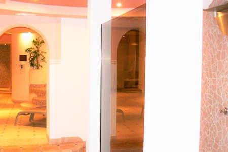 Hotel Knoll *** Appartements und Zimmer - Lappach