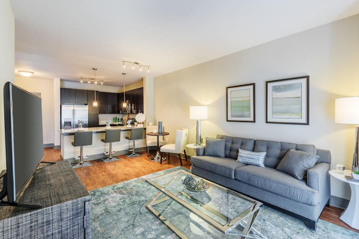 Well-equipped apartment home | 2BR in Charlotte