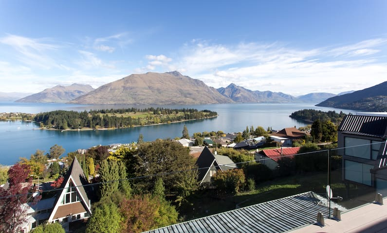 QT Hill.Walk to town.Great views 1 - Queenstown - Apartment