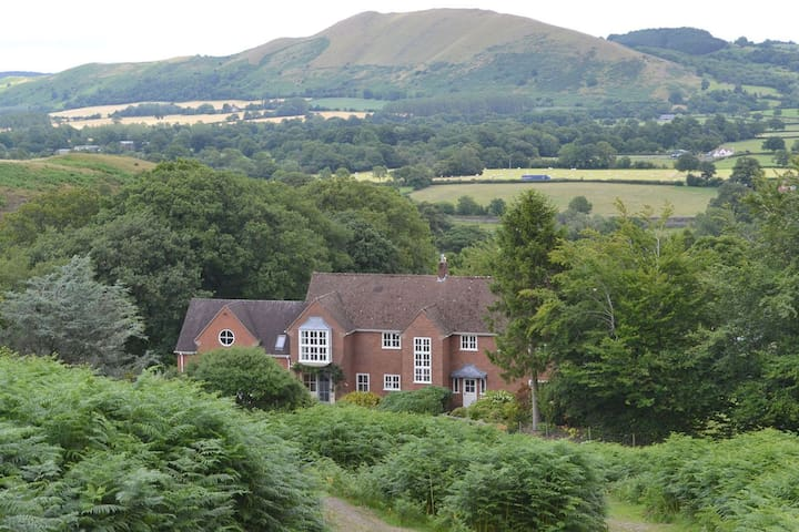 Beautiful detached country house nestled in the Shropshire Hills AONB - All Stretton