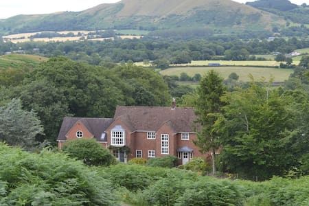 Beautiful detached country house nestled in the Shropshire Hills AONB - All Stretton - Дом