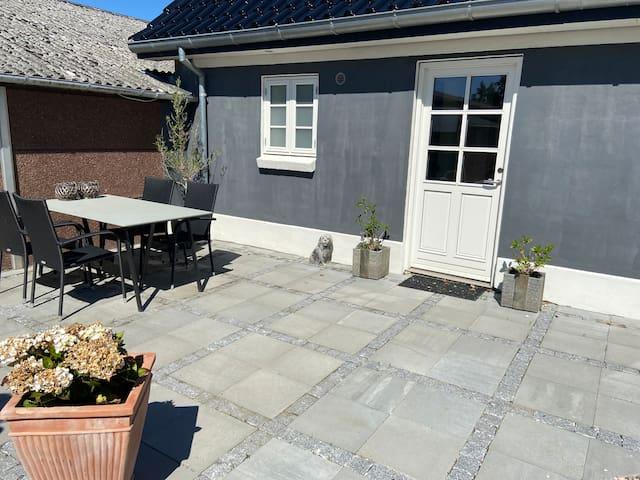 Hyggelig bolig i landlige omgivelser