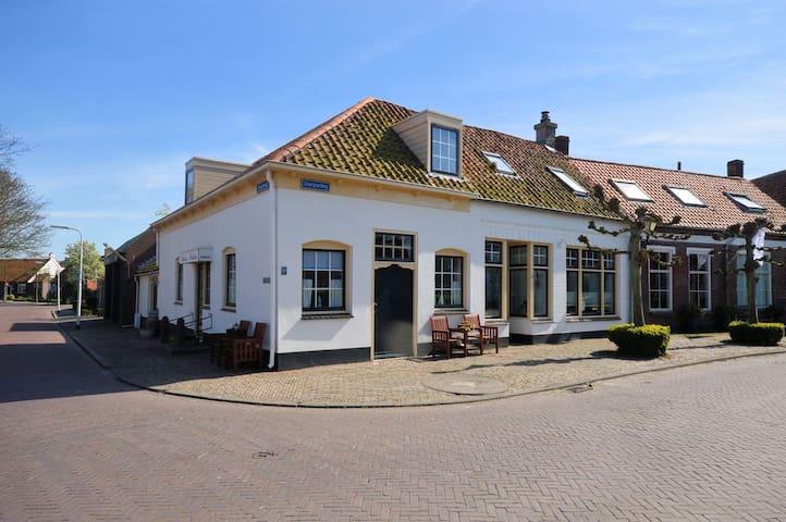 """B&B """"Pension Wielsteen"""", Noordwelle, Room 2."""