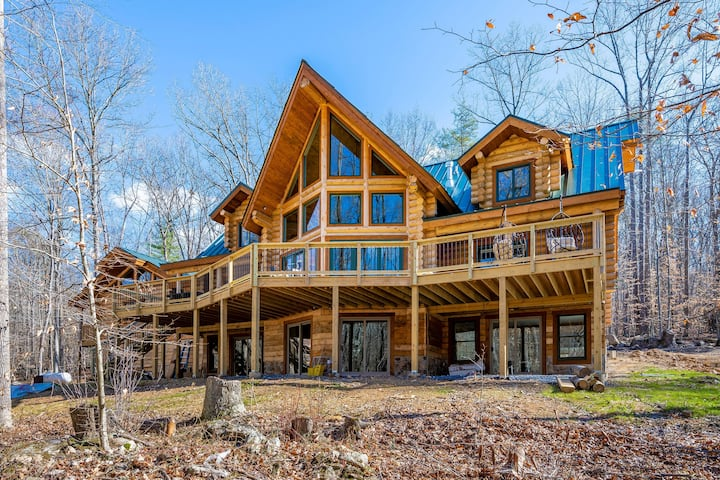 The Log House at Sugarloaf Mountain
