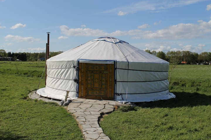 Mobo Yurt een unieke manier van overnachten.