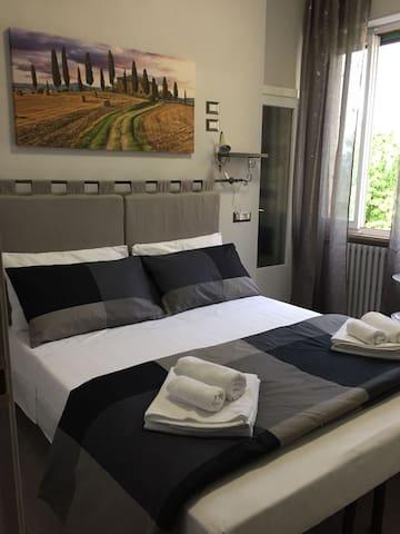 Cris&Giuli House camera con bagno privato 3