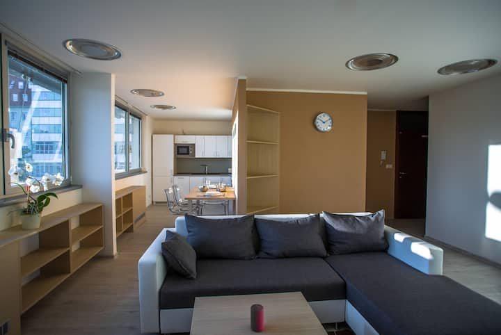 22nd Uprising Square - Large 3rd Floor Apartment