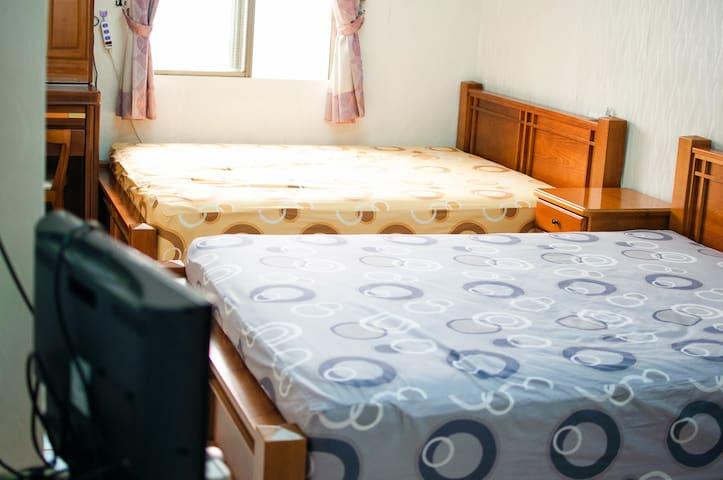 AlongSea45 -1 Quad Room