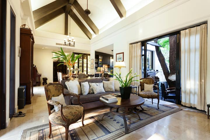 Baan Thip - Beautiful 4 Beds Villa by Riverside