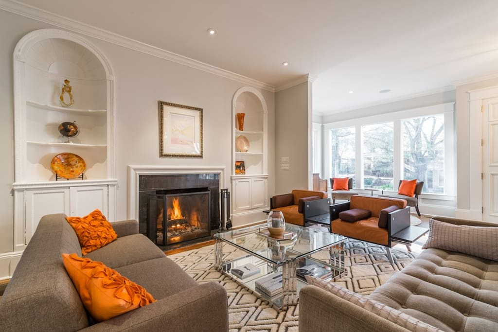 Fireside living room with a fire on most chilly evenings (shared space)