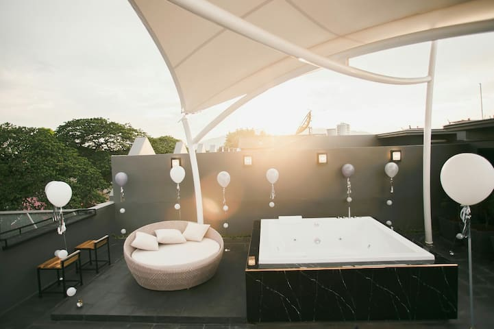 Hote-i Chiang mai House with Jacuzzi rooftop