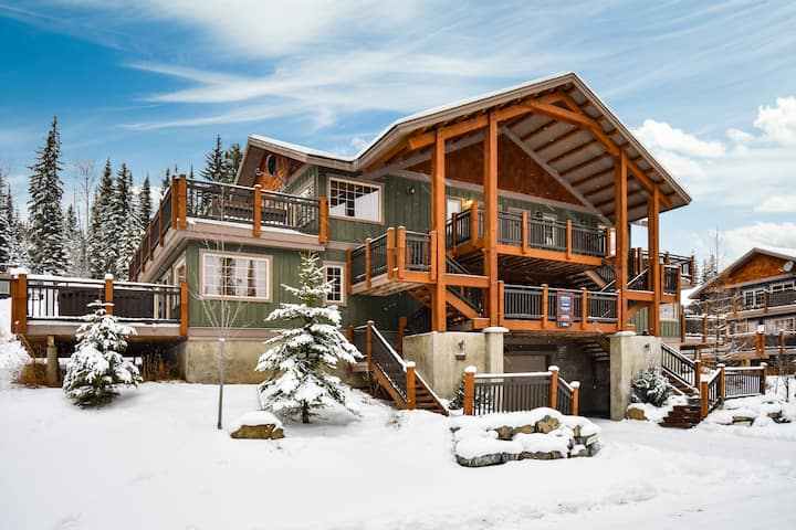 ✪Rockies Escape, Skiing, Hiking & Private Hot Tub✪