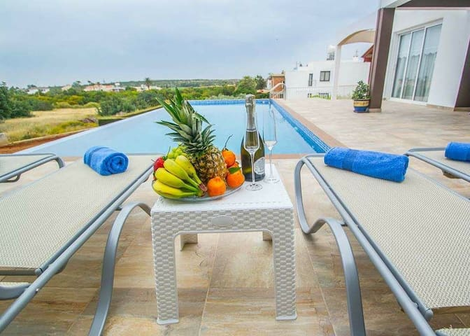 VILLA GRECO 3 BDR, near Connos Beach