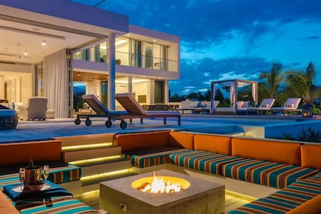 Luxury Living in Providenciales at 'Big Chill'