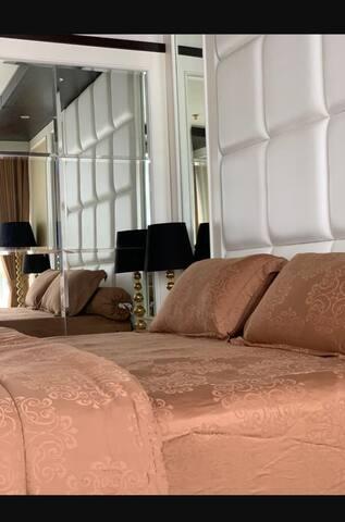 Lexington Studio Apartment with a Terrace