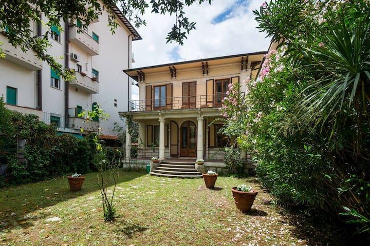 Intera villa a Montecatini Terme - Montecatini Terme
