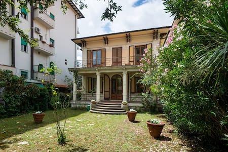 Intera villa a Montecatini Terme - Montecatini Terme - House