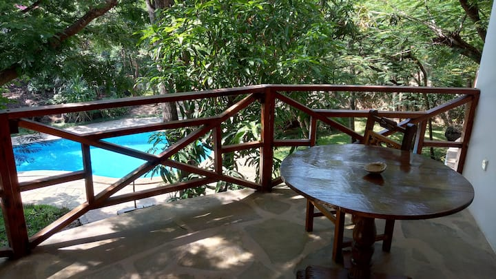 Private beach, swimming pool, wifi (room 23)