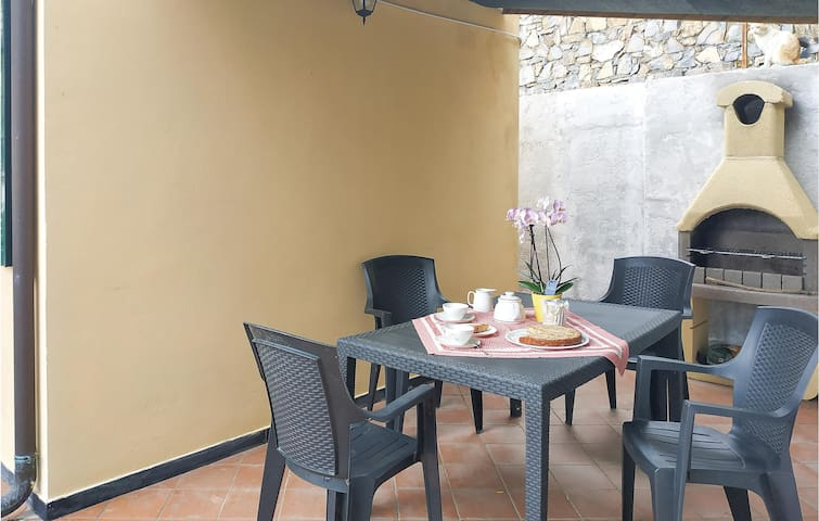 Holiday cottage with 1 bedroom on 50m² in Imperia IM