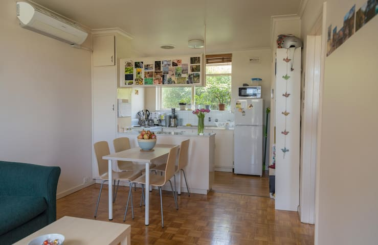 Comfy and well located flat in Carton North - Carlton North - Appartement