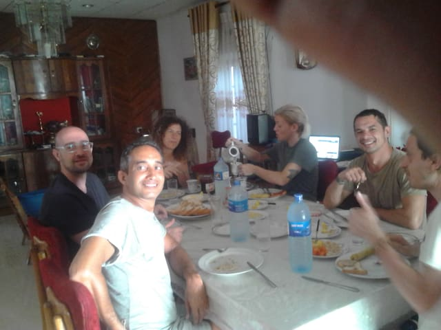 Italian 6 came 2016 After breakfast, a couple was residing in this room