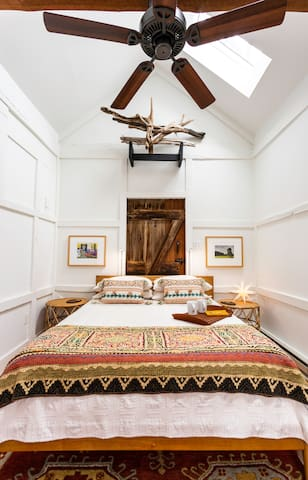 Have you ever slept in a corn crib? The Casper mattress is heaven, the bedding divine, and the view up through the skylight, the start of a dream.