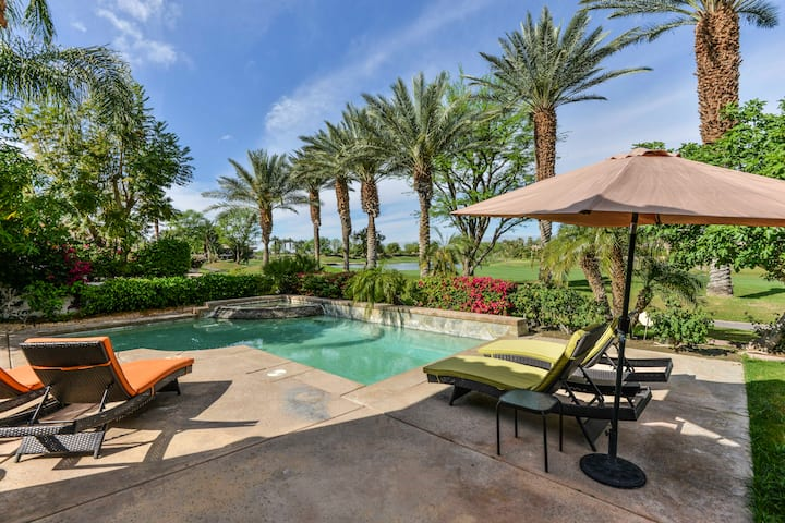 Desert Oasis with golf & pool (2bd)