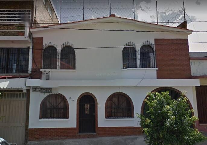 Habitación con baño privado RusNovena -  zona 11