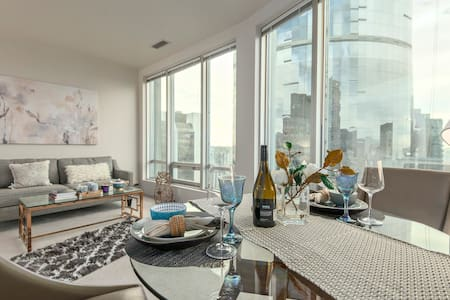 BAY VIEW SUITE - Heart of Downtown - Vancouver