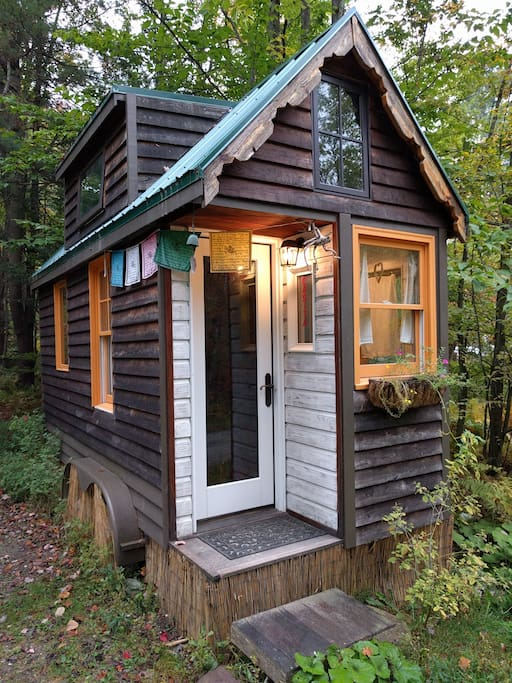 Vermont Tiny House La Casita Cabins for Rent in Hinesburg