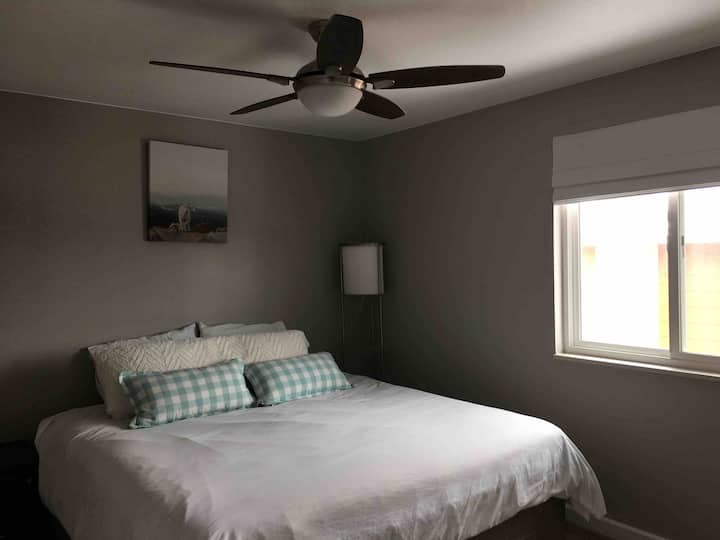 Private Bedroom In Newly Renovated Home, King Bed
