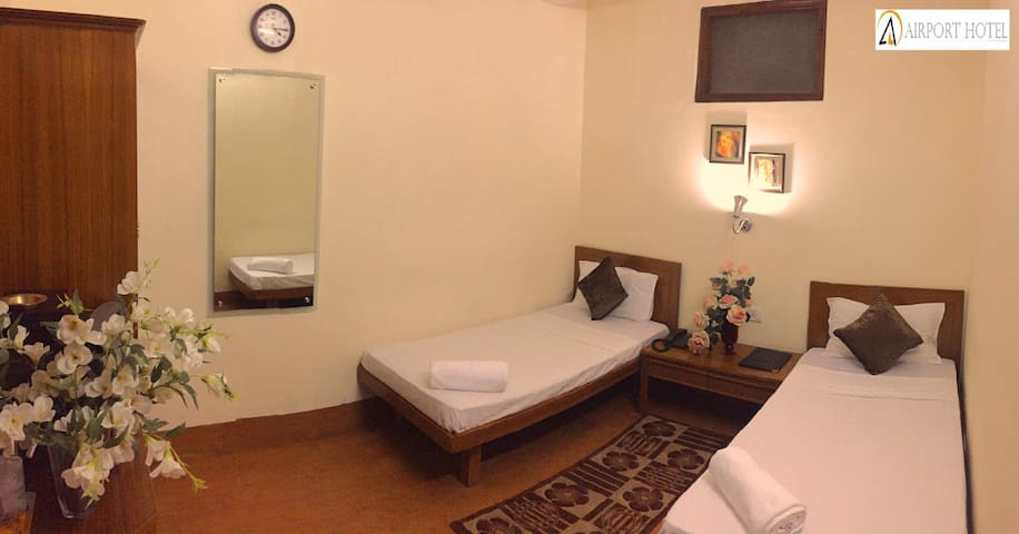 Standard Room In Delhi Cannt.