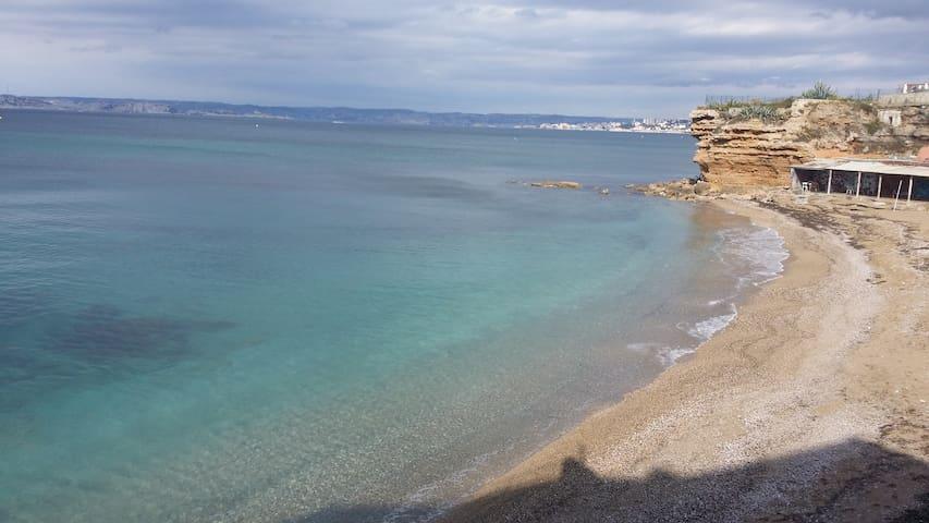 Cabanon les pieds dans l'eau - Marseille - Apartmen