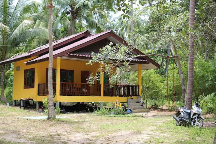 The Yellow House - Koh Pha Ngan - Ban Tai - Dom