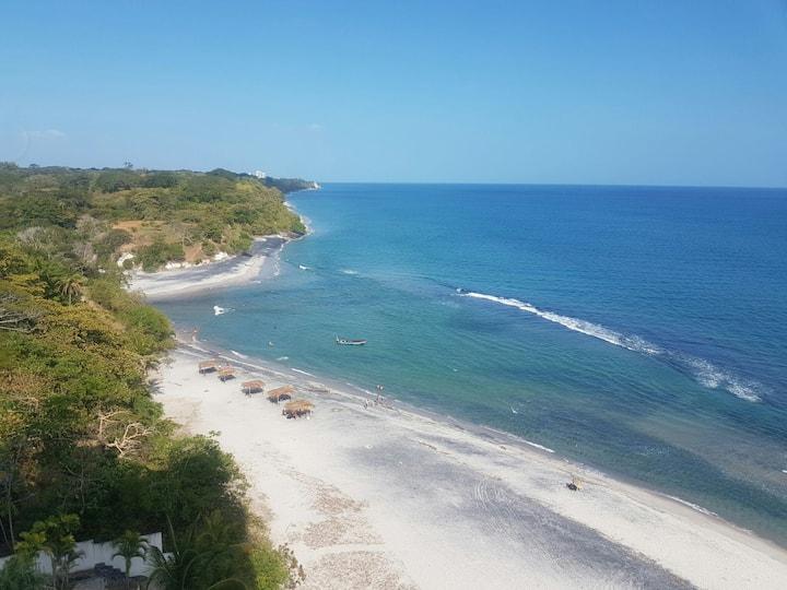 Playa, brisa y mar. Beach Front
