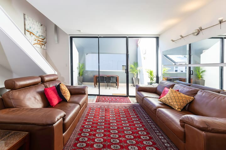 Lovely 1BD Apartment [Close to CBD]