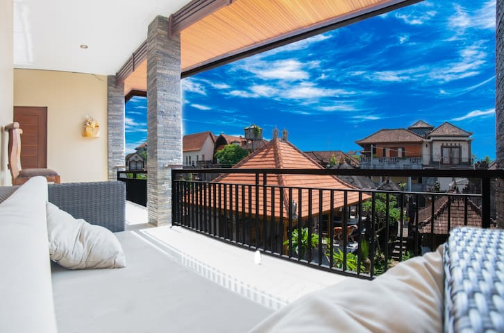 ★★★ Coolness room with two side balconies in Ubud