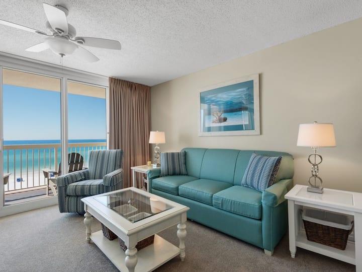 Fifth-floor beachfront condo w/ balcony, amazing view & shared pools/hot tub!