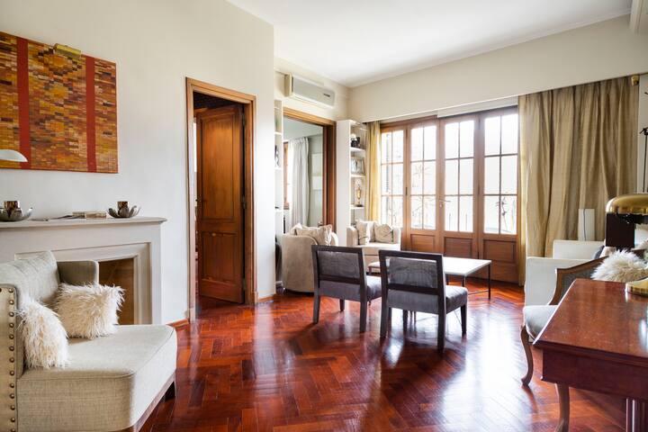Wonderful Sunny Recoleta Apartment. Balcony Wifi.