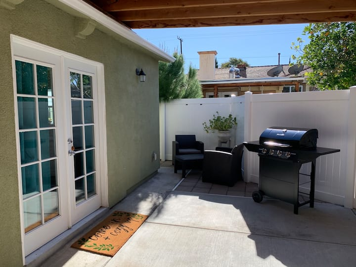 Entire 1BR Guest Home With Private Car Garage